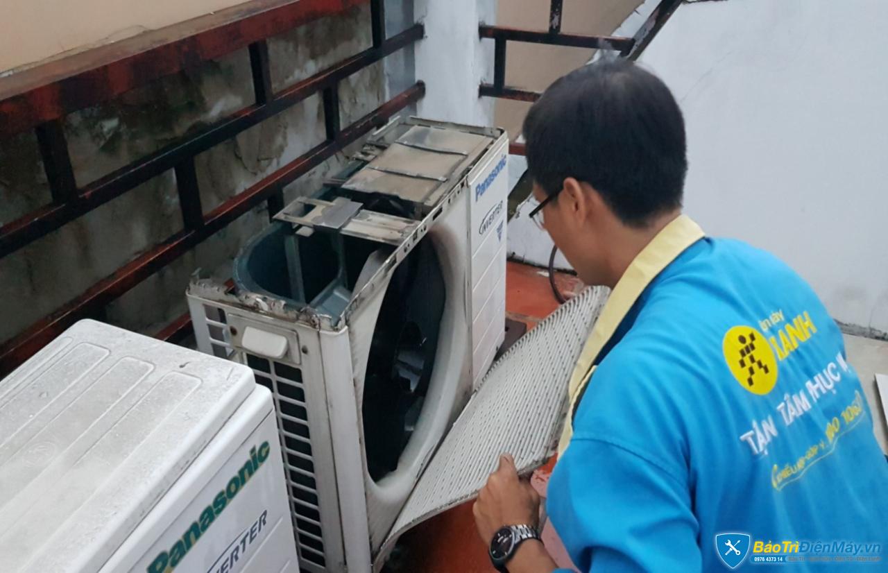 Kết quả hình ảnh cho Vệ sinh máy lạnh Điện Máy Xanh